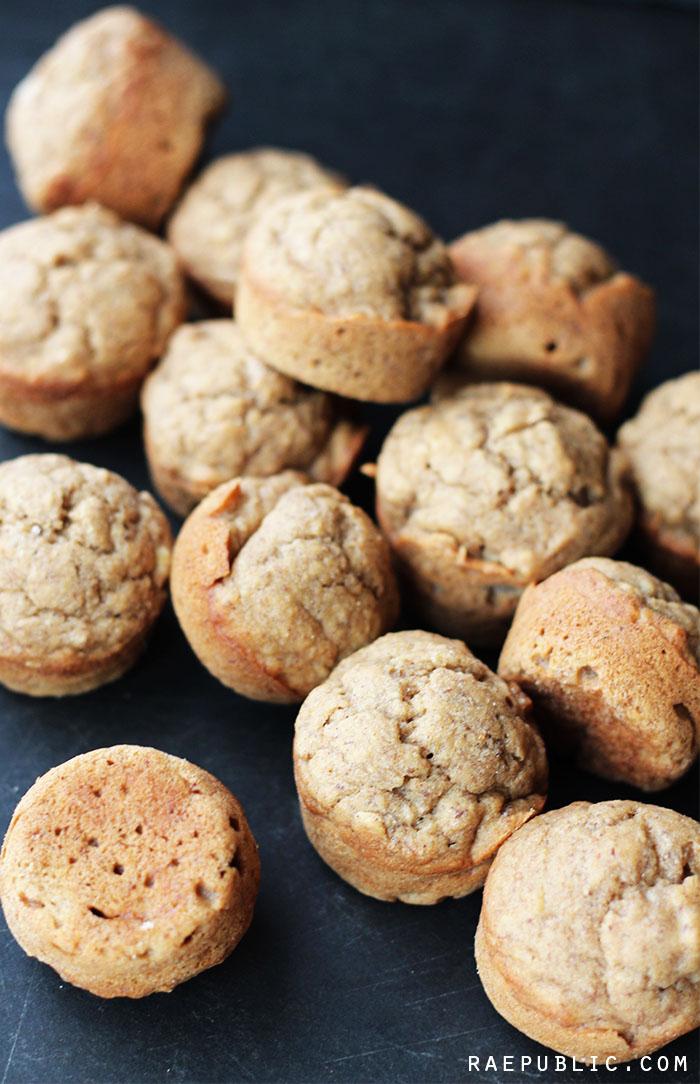 Mini Vegan Banana Bread Muffins