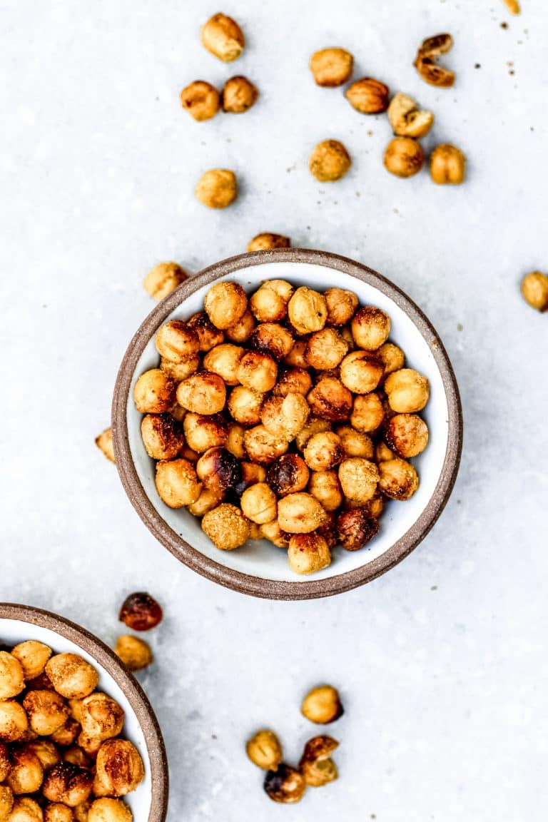 Cheesy Roasted Chickpeas (Vegan)